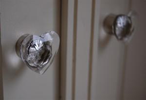 Kitchen dresser knobs